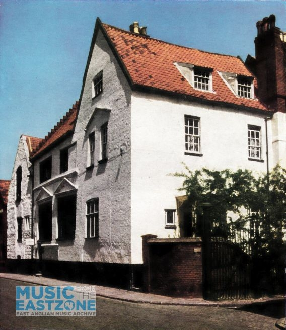 MUSIC HOUSE, THE